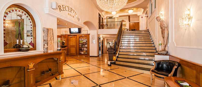 Hotel Oswald, Selva, Italy - reception.jpg